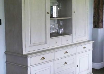 bespoke-dresser